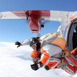 Výskok z letadla při tandemovém seskoku